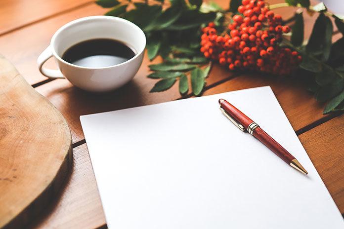 Jak pozbyć się plam z długopisu?