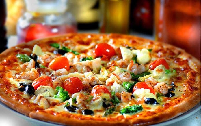 Pizza - domowa czy z pizzerii?