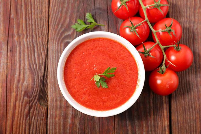Proste przepisy wegańskie z użyciem przecieru pomidorowego Pudliszki