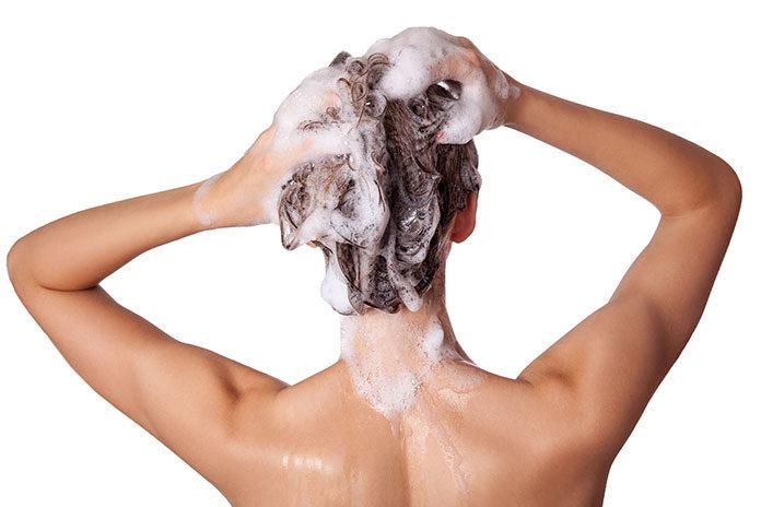 Szamponetka czy szampon koloryzujący – jak rozjaśnić włosy?